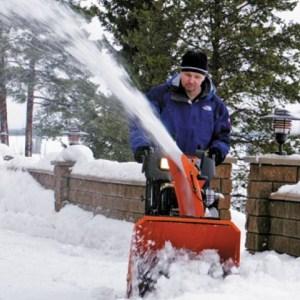 компактная снегоуборочная машина