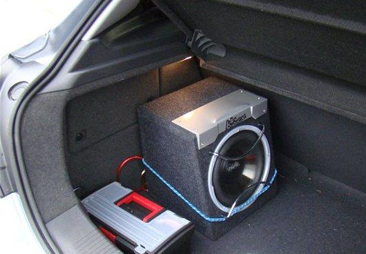 автомобильный сабвуфер