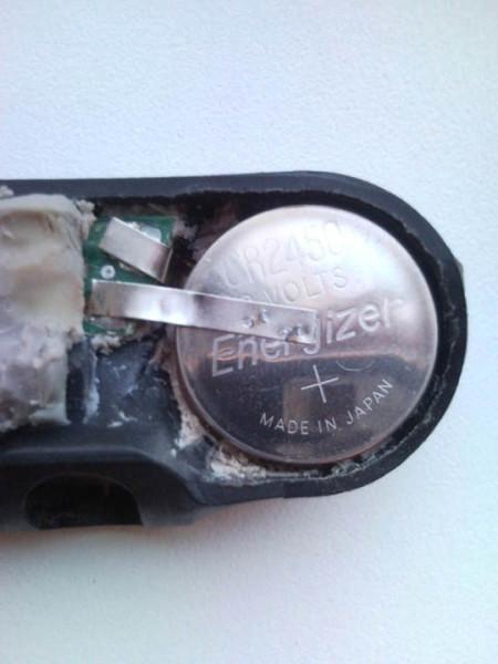 Замена батареек в датчиках давления шин Peugeot
