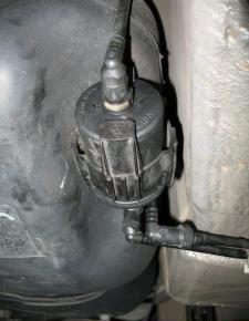 Замена топливного фильтра Пежо 206